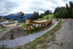 mtb02-kona-bicycles-aledilullo.jpg
