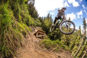 mtb01-kona-bicycles-aledilullo.jpg